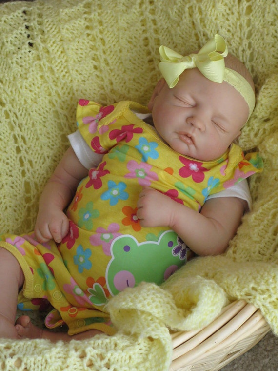 Christmas in July,FREE SHIPPING,Reborn baby girl,heirloom doll,baby Courtney
