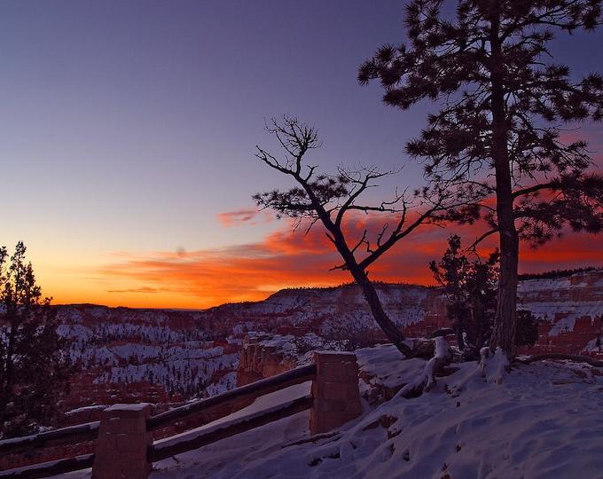 Sunrise at Bryce Canyon  - Cross Stitch Pattern from a Vintage Photograph  - Fiber Art