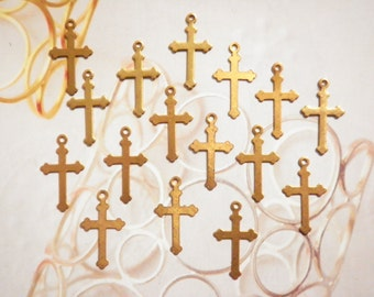 16 Vintage Brass 18mm Gothic Style Crosses with Loop