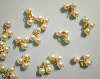14 Vintage Lucite 9mm 3-Bead Pearl Clusters