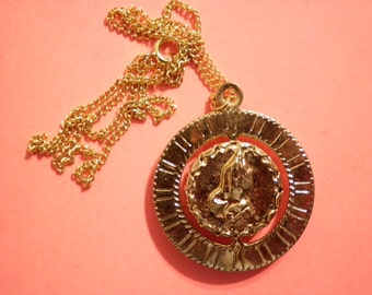 """1 Vintage Goldplated 32mm Praying Hands and Cross 16"""" Spinning Pendant Necklace"""