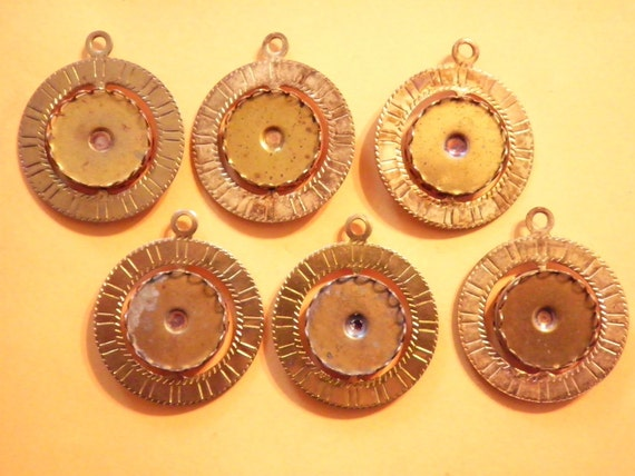 6 Vintage Brasscoated Spinning Pendants with 18mm setting