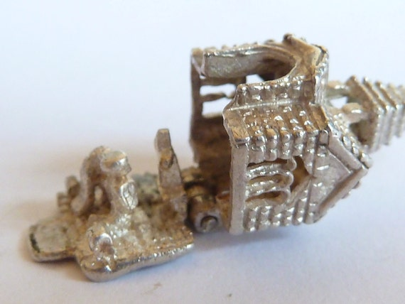 Opening Charm vintage  sterling silver Church   charm Pendant bracelet charm