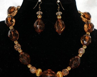Amber and Gold Necklace Set