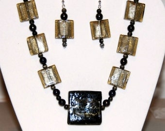 Light Brown India Glass Necklace Set