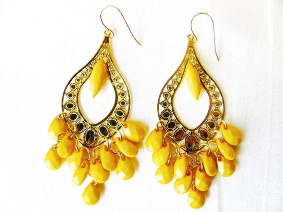 Yellow Earrings, Chandelier Earrings, Teardrop Earrings, Yellow and Gold, Chandelier, Dangle, Sunshine, Lightweight, Trendy, Gift under 20