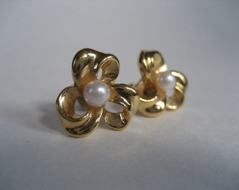 Trifari Flower Earrings