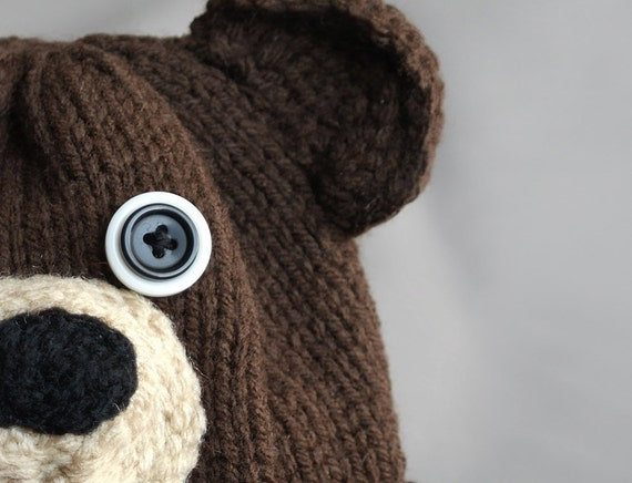 Brown bear beanie hat with button eyes