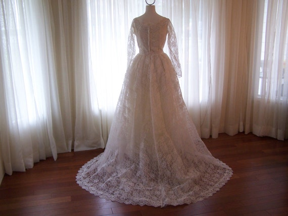 Vintage 1950s Lace Wedding Dress with Great Flowing Train, 1950-1960's