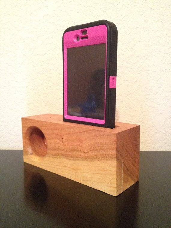 Cherry Wood iPhone Music Amplifing Stand