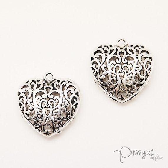 2pcs Matte Silver Filigree Heart Charms (GT0461)
