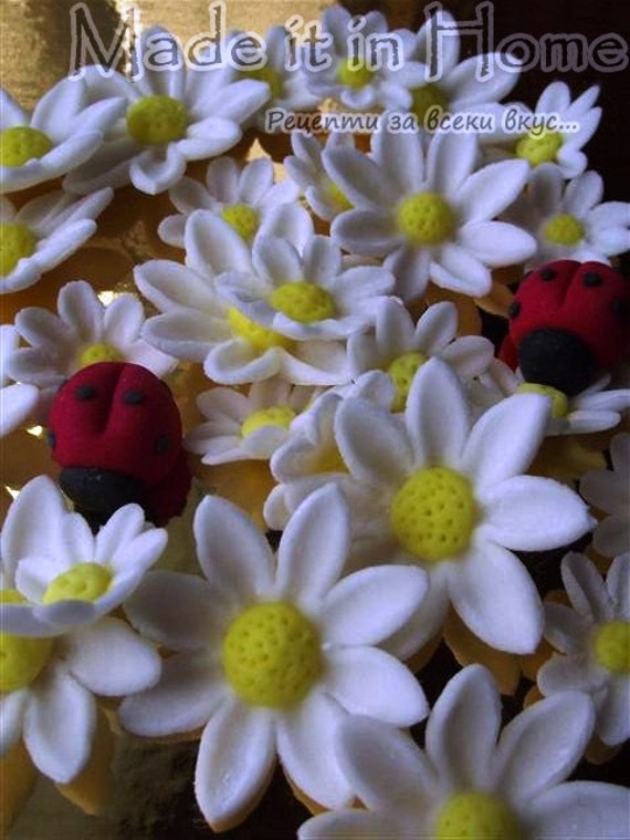 Edible Sugar Flowers Set of 30 daisies and 6 ladybugs cake & cupcake topper