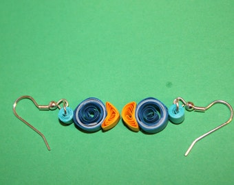 Simple loose coiled  quilled earrings