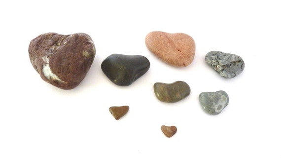 Reserved for Liz / Set of 3 heart pebbles