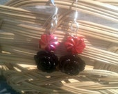 Flower Earrings In Black With Red Beads