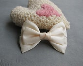 Classic Ivory Hair Bow Clip - 4.3 inches/11cm - made with 1.5 inches/3.8cm Satin Ribbon - Ready to Ship