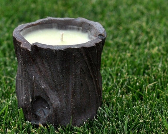 Musk and Fern scent 8 ounce Soy Wax Candle - Handmade Footed Log Container - Burnt Red