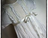 GirlsFrench Smock Dress  Ivory Cotton & Lace Size 3-4 years