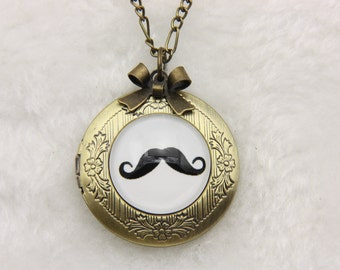 Necklace locket mustache 2020m