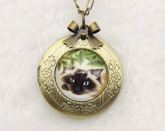 Necklace locket Persian cat