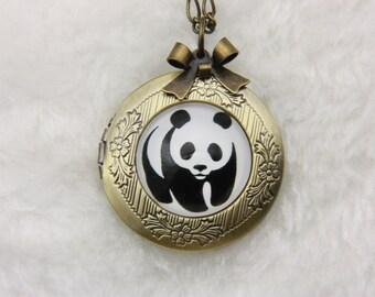 Necklace locket panda 2020m