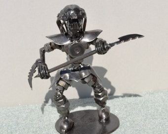 PREDATOR 7 inches, Weapons - Scrap Metal Art