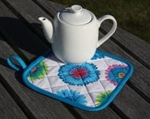 Diamond Quilted Teapot Stand