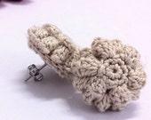 Crochet earrings in Beige - popcorn stich flower stud