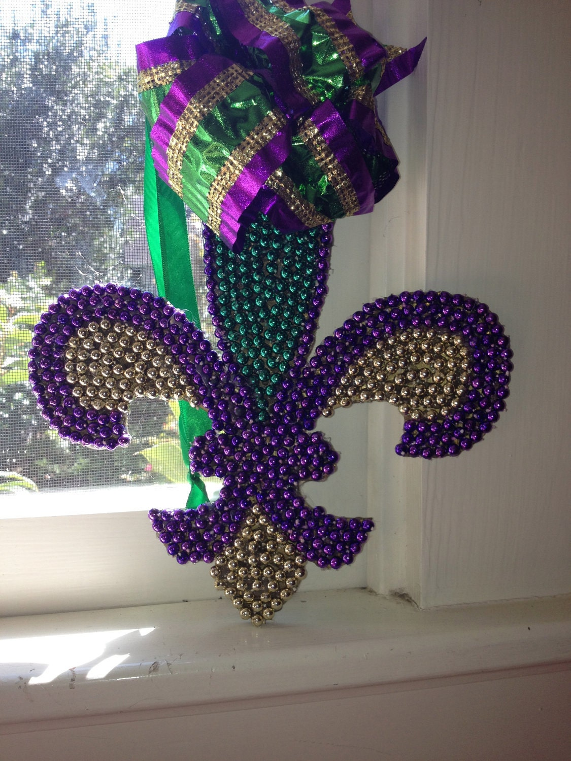 Small mardi gras fleur de lis for Beads for craft projects