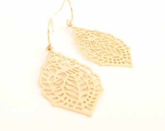 Mette Gold Leaf 14K gold filled Earring -simple everyday jewelry