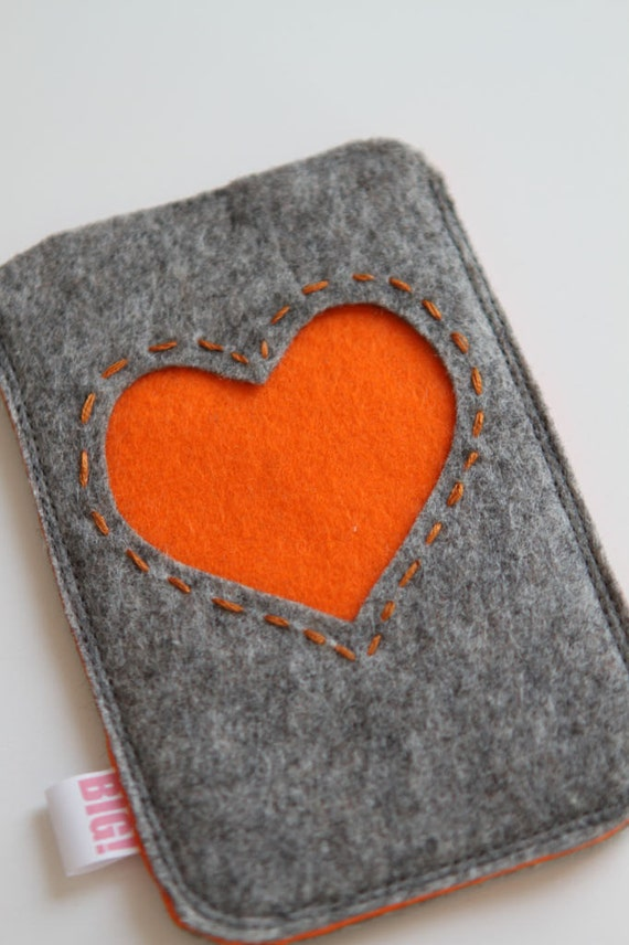 Felt cell phone cover or case for iPhone or smartphone - Grey with orange heart