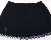 Beautfiul And Sexy Tennis Skort W/Black Beautiful Fringe.  Size Large