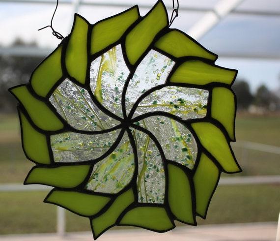 THINK SPRING!!!  Spring Green Pinwheel