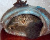 Felted cat cave ,pets cave,pets cat bed,vase,hand crafted, OOAK,