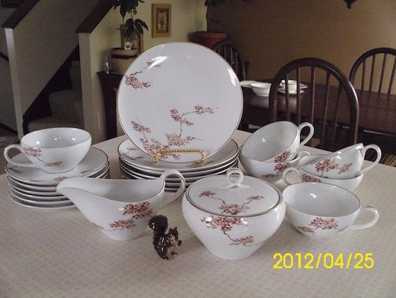Vintage Fukagawa-Japan-Arita-Dinnerware Set-Maple Tree Pattern-Plates/Cups/Saucers