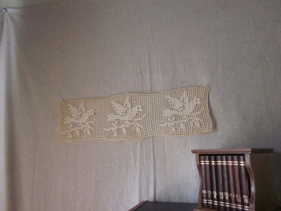 Vintage Crocheted Birds Doily - Rectangle
