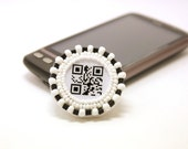 QR code brooch Love is in the air - Geekery jewelry - black and white St Valentines Day beaded brooch - Monochrome gift