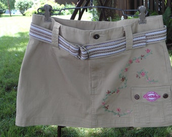 Upcycled SouthPole kaki hand embroidered mini skirt size 9