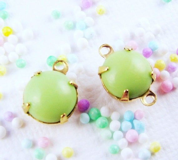 Pale Mint Green 8mm Vintage Opaque Glass Stones, Jewels, Rhinestones in 1 ring or 2 ring brass settings (6)