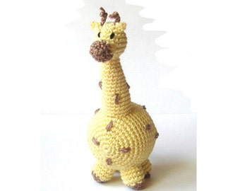 Baby giraffe toy,Giraffe rattle,Nursery decor,Teething baby,Safari african animal,Waldorf, Yellow,Hanging baby toy,Car seat toy,Stroller toy