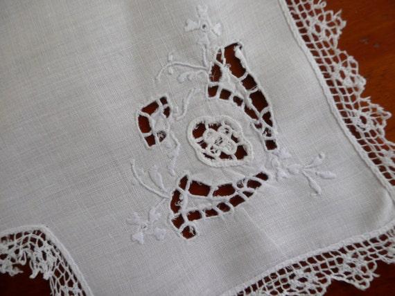 Whitework Linens - Vintage Biscuit Cloth - Vintage Linens - Dinner Linens - Bread Basket Liner - Antique Linens -