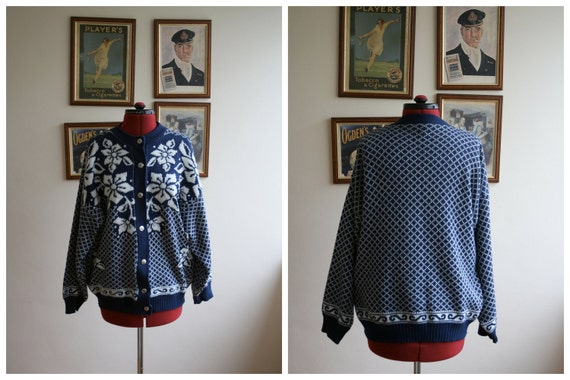 SALE // Vintage Nordic Cardigan // Navy & White // Size M-L