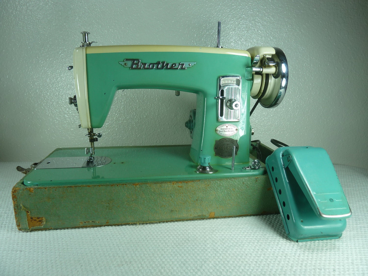 vintage 1958 turquoise blue mint green brother sewing machine. Black Bedroom Furniture Sets. Home Design Ideas