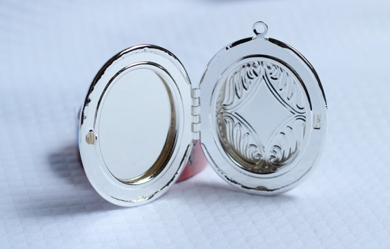 1 40x30mm Silver Locket blank with Glass Cabachon
