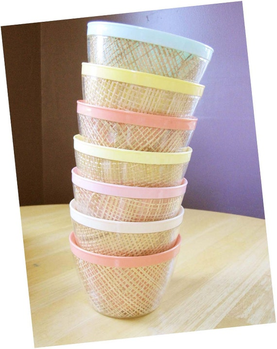 Seven Supercool Thermal Bowls in Tan, Bubblegum, Mint Green and Buttercup Yellow for Ice Cream
