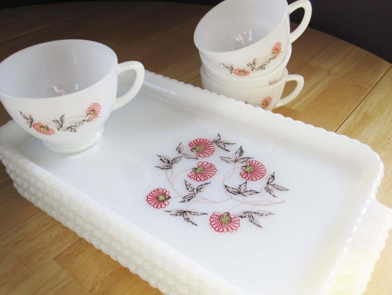 Put Away the Plain Luncheon Plates - Here's a Lovely Set of Fire King Luncheon Plates With Cups - Pattern is Sweet