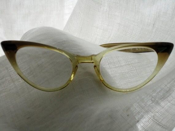 Demure Foremost Cateye CAT EYE Glasses USA 5.5 True Vintage 1960s Eyeglasses