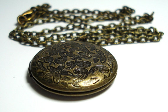 Solid Perfume Locket Vintage Brass Finish Round