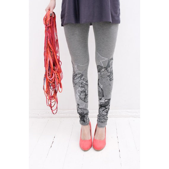 Salt and pepper- light grey leggings with monohrome print