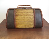Vintage palm reed woven basket clamshell purse